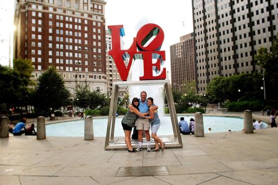 philadelphia-vacation-love-statue_0540_2