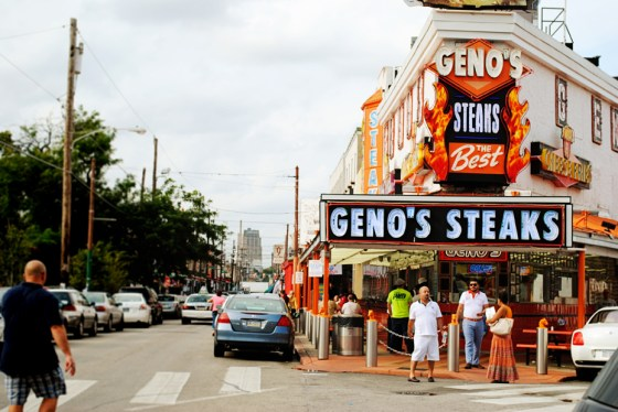 philadelphia-vacation-philly-cheese-steak-genos_0527_2