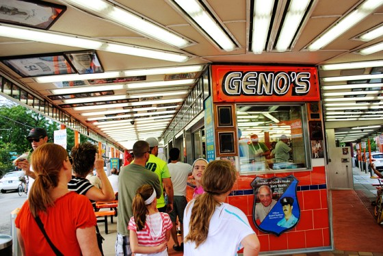 philadelphia-vacation-philly-cheese-steak-genos_0530_2