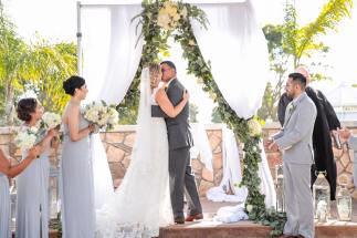 George Street Photo - Eagles Nest Clubhouse - Ceremony First Kiss