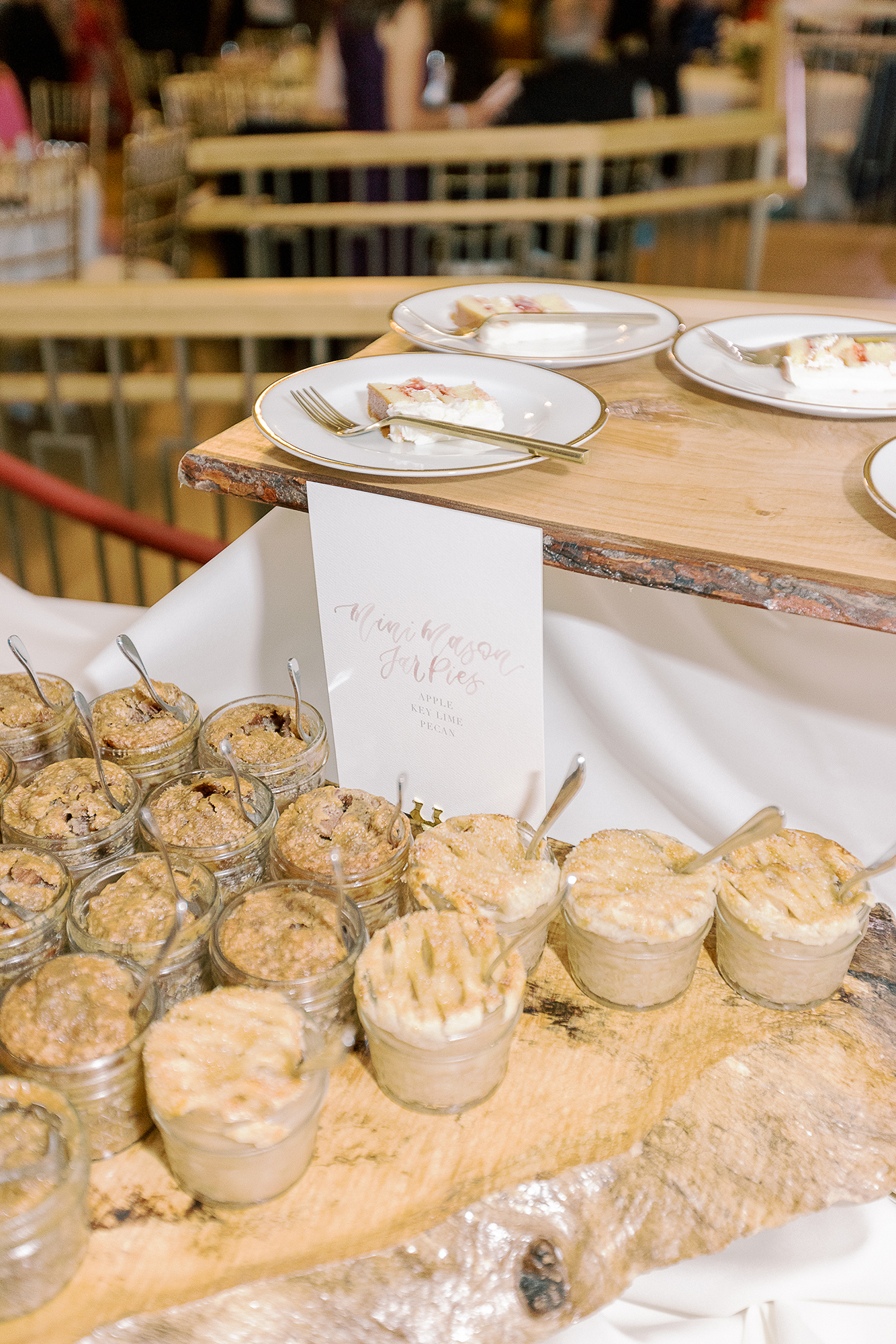Sam Allen Creates – Mini Mason Jar Watercolor Dessert Sign – Clary Pfeiffer Photography 2