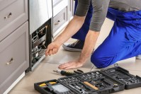 Licensed electricians near McLean