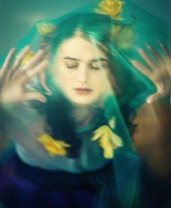 Echo drowns in Adulthood. By Michelle Fernanda Varela.