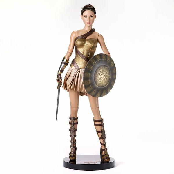 Wonder Woman - Training Armor Deluxe Edition