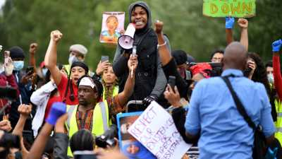 Protesters in London mourn George Floyd and blast US President…