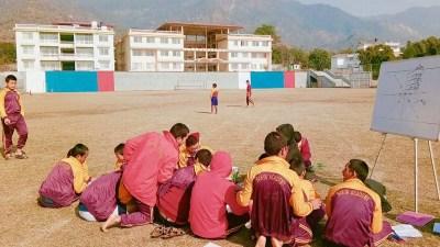 भारतको देहरादुनमा कुटिए ५१ नेपाली विद्यार्थी, छानविन गर्दै सरकार