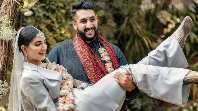 भारतीय दुलही जसले आफ्नो विवाहको लागि प्यान्टसुट लगाईन
