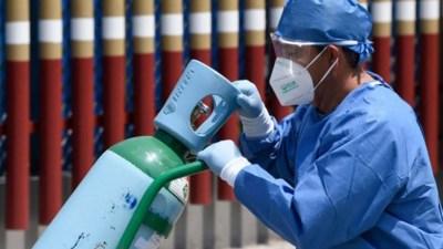 भक्तपुरका अस्पतालमा सकियो अक्सिजन, शय्यामा छट्पटाउँदै बिरामी