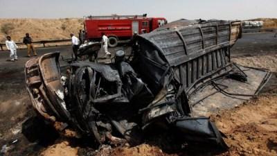 पाकिस्तानमा दुर्घटनामा परी १८ को मृत्यु, ३० घाइते