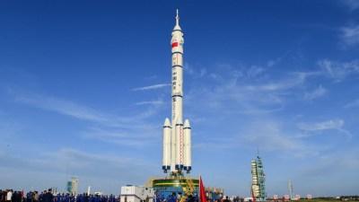 अन्तरिक्ष केन्द्र निर्माणमा चीनको फड्को, तीन अन्तरिक्ष यात्री लिएर उड्यो…