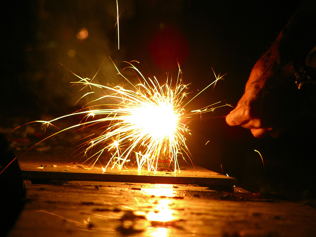Andhra allows green crackers for 2 hours on Diwali | Sambad English