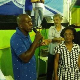 O Diretor de Carnaval, Marquinhos do Toldo, anunciando o novo carnavalesco Luiz Fernando Reis