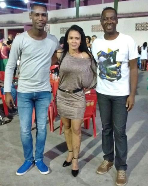 Carlos Costa e Diangelo Fernandes com Nenem Andrade, diretora da Liesb