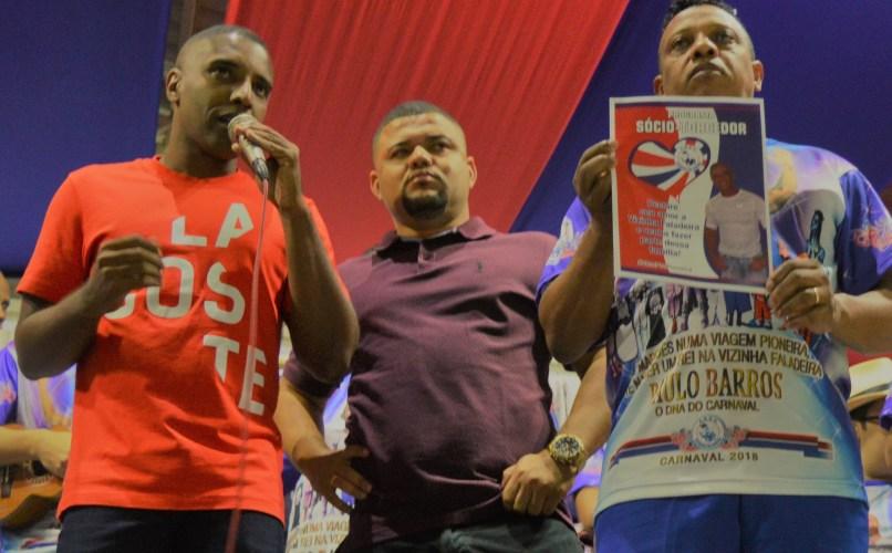 Presidente de honra, Marcus Vinícius, presidente David dos Santos, e intérprete Marcelinho da Vizinha
