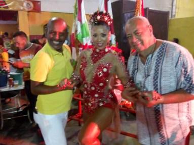 A rainha de bateria, Luciane Soares, entre os destaques da Leão, Zazao e Buth