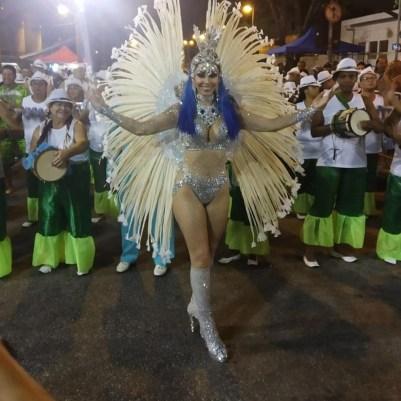 8. Rainha de Bateria Duda Maciel da Unidos da Barra da Tijuca - Foto: Jornal Ritmo Carioca