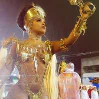 23. Rainha de Bateria Caroline Lima do Novo Império