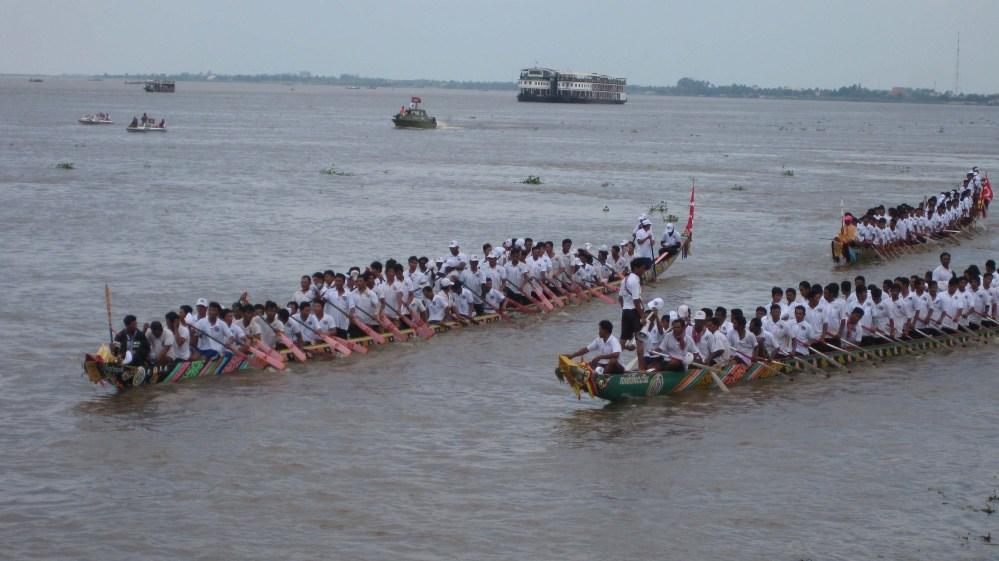 Cambodia's Water Festival (Bonn Om Touk) (6/6)