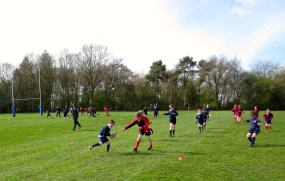 Gregor scoring another try, and managing to avoid his tag being snatched.