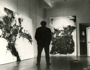 Installation of the solo exhibition at the Martha Jackson Gallery, New York. (Photo courtesy Martha Jackson Gallery Archives, University at Buffalo Anderson Gallery, State University of New York at Buffalo.)