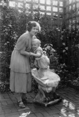 Francis with his mother in San Mateo, California