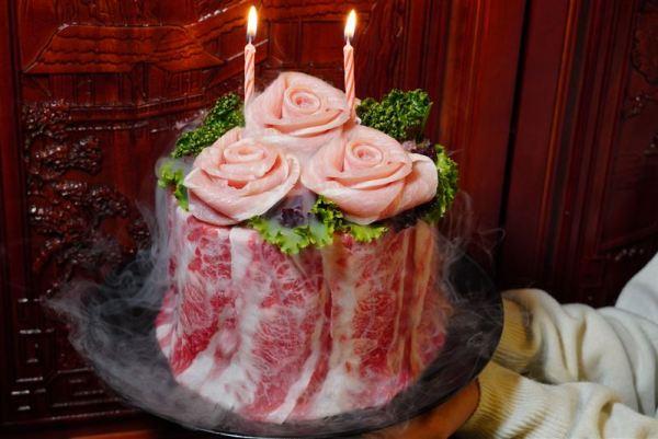 情人節超狂玫瑰肉蛋糕 三星座壽星「幾歲就送幾隻鮑魚」