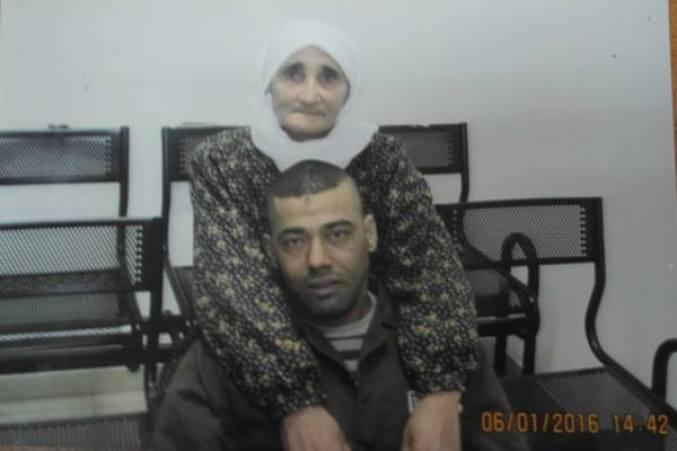 yaser-hamdouneh-mother