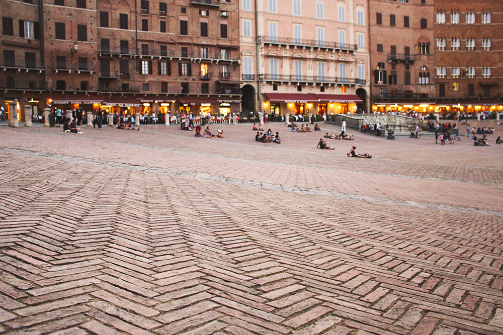 SamiM Adventures study abroad in Siena, Italy Piazza del Campo