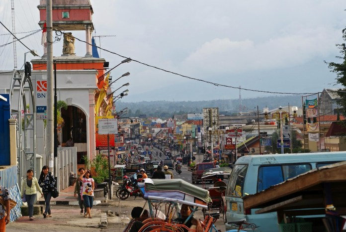 The view of Salatiga's main street