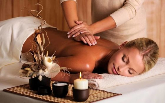 Massage californien à Bourg en Bresse