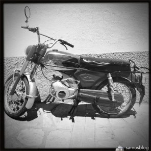 This motorbike fits nicely with the b/w photo