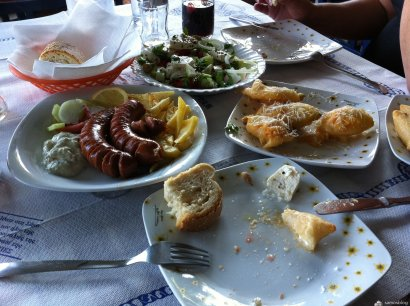 Various dishes, Vouriotes