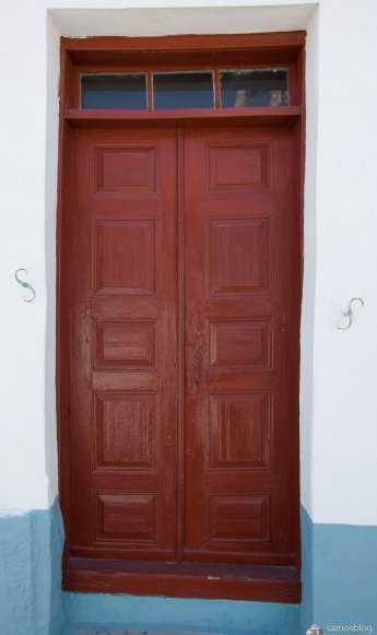 Door in Vourliotes