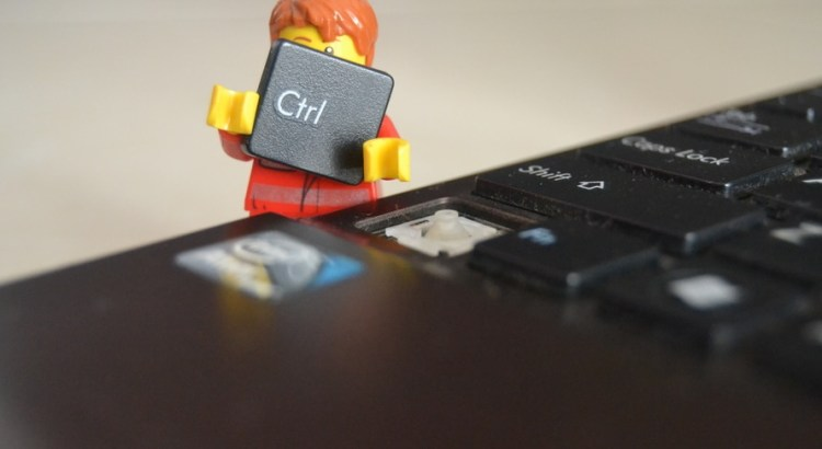 Picture of a lego figure holding a Ctrl computer key - Samuel Pavin blog - how to optimise SEO