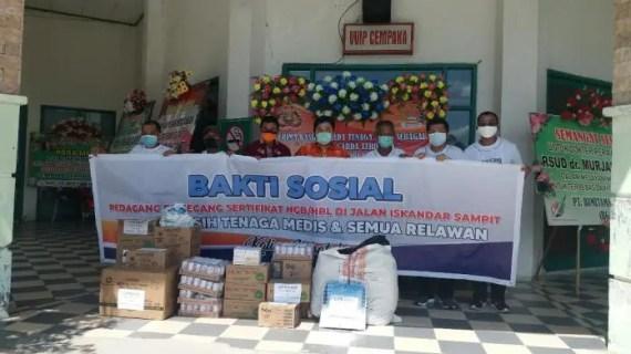 Grup Pedagang dan Pertokoan Sampit Bantu APD dan Vitamin Untuk Tim Kesehatan RSUD Murjani
