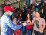 Pemkab Kotim Bagi Masker Gratis di Keramaian, Netizen: Kasihan yang di Rumah Tidak Kebagian
