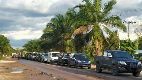 Jalan Putus Hanya 50 Meter, Antrean Capai 3 Kilometer