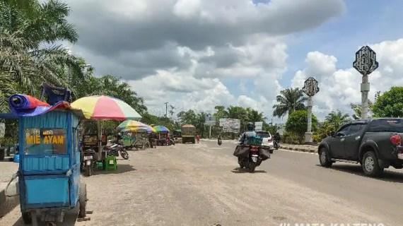 Pedagang Dilarang Berjualan di Taman Bundaran Balanga