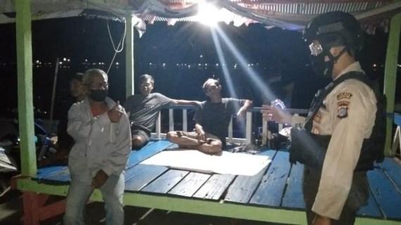 Polsek Kawasan Pelabuhan Mentaya Lakukan Patroli Rutin di Jam Rawan Pada Malam Hari