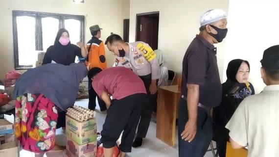 Polsek Baamang Pantau Penyaluran Bantuan Korban Kebakaran