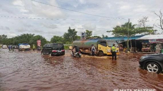 Video Terkini Lalulintas Jalan Jendral Sudirman KM 4 Sampit