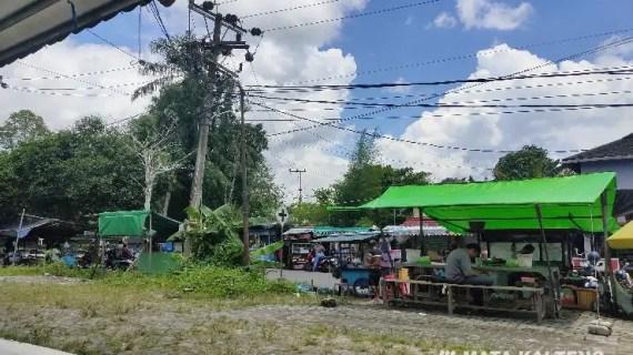 Pedagang Taman Kota Sampit Lebih Memilih Berjualan di Pinggir Jalan, Kenapa?