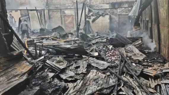 Tim Puslabfor Mabes Polri Selidiki Kebakaran Pertokoan di Sampit