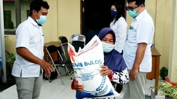Pemkab Kotim salurkan 200 ton beras PPKM untuk terdampak COVID-19