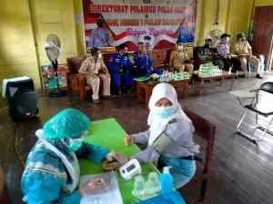 Direstui Orang Tua, Ratusan Pelajar SMKN 1 Pulau Hanaut Ikut Vaksinasi Ditpolairud Polda Kalteng