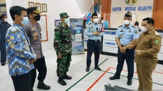 Kakanwil Kemenkumham Kalteng apresiasi inovasi peningkatan pelayanan Kantor Imigrasi Sampit