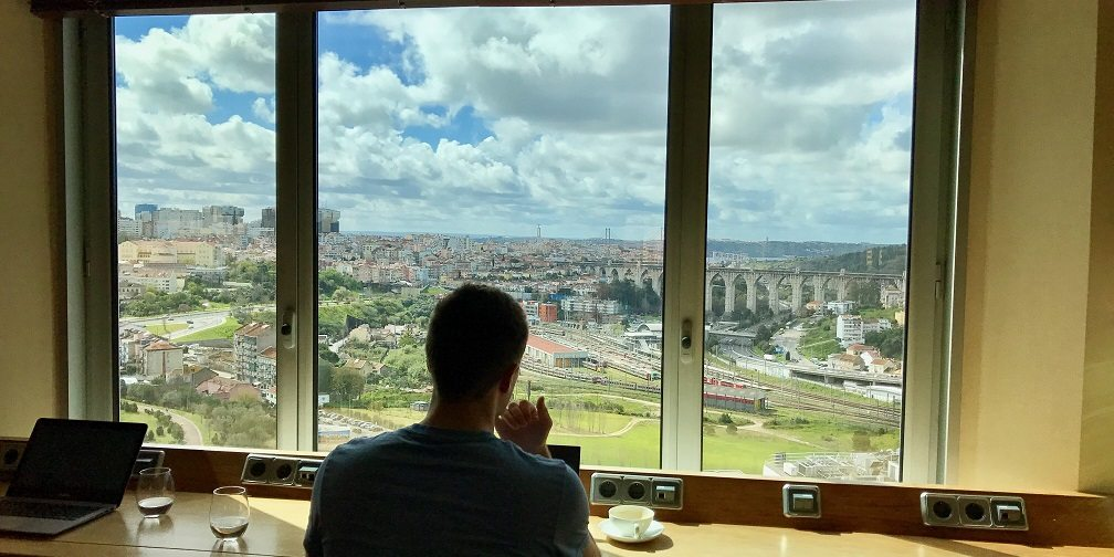 The Pros And Cons Of Being A Digital Nomad