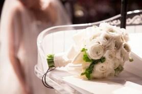 Brautstrauß-rosen-weiß