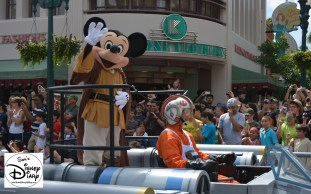 """Legends of the Force"" Motorcade and Celebrity Welcome, Jedi Mickey leads the parade."