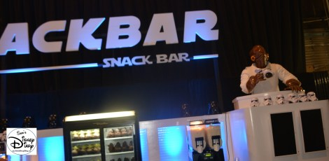 Darth's Mall was the place to be for Star Wars Merchandise. - It's a Snack!
